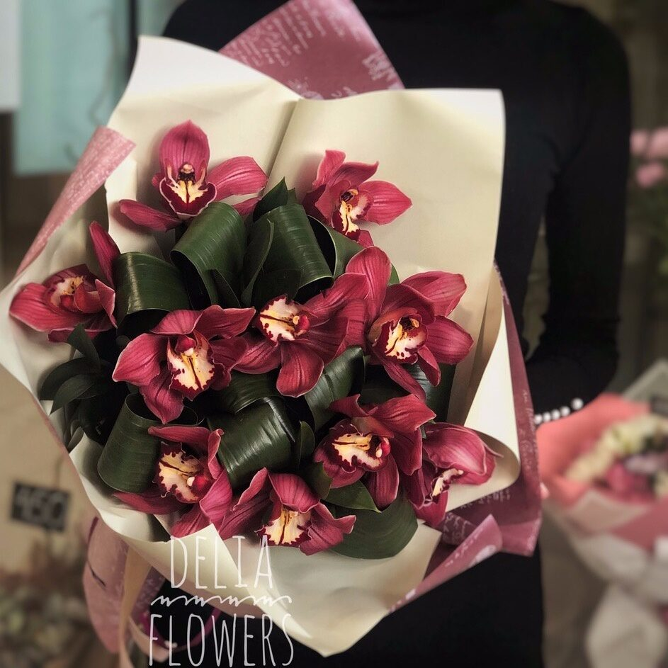 Букет красные орхидея фото, заказ доставкой